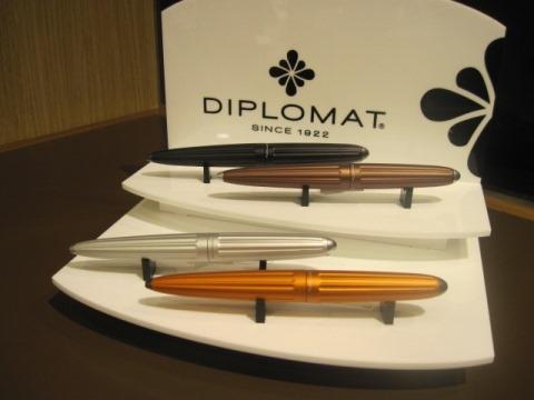 高級筆記具メーカーディプロマットのペンが入荷